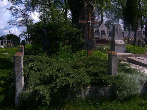 Grób Rodzinny Lutosławskich