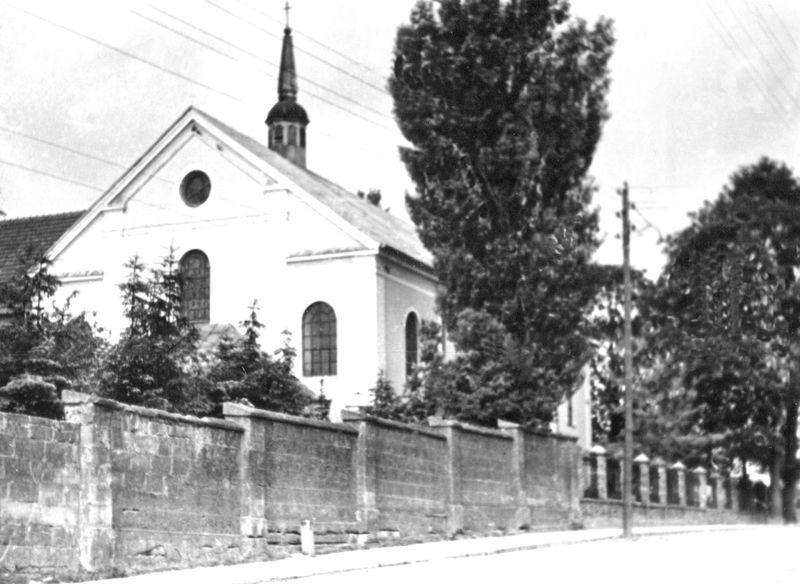 Kościół św. Trócy w okresie międzywojennym od strony ul. Dwornejj