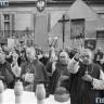 Prymas Polski i księża biskupi udzielają końcowego błogosławieństwa