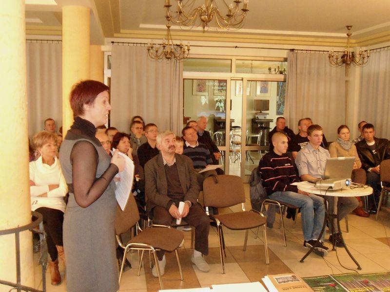 Beata Sejnowska - Runo opowiada o masowych egzekucjach w lesie jeziorkowskim