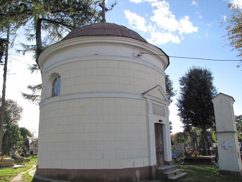 Kaplica Śmiarowskich od ul. Kopernika