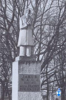 Pomnik Jakuba Wagi z 1967 r. w Ogrodzie Miejskim (2005 r.)