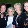 W środku Maria Babiel (należała do AK) z córką Bożeną, z lewej  Beata Sejnowska  Runo, z prawej  Iwona Gąsiewska