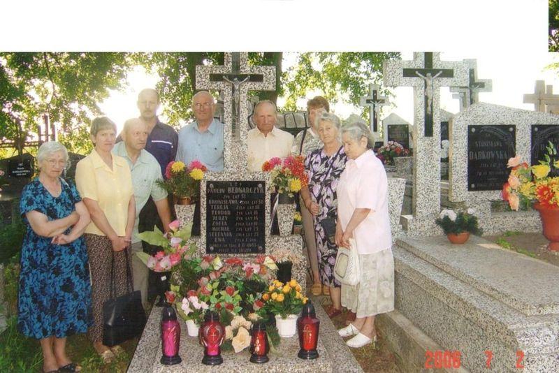 cmentarz w Dobrzyjałowie