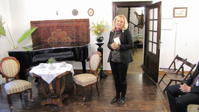 Dyrektor Muzeum Pani Anna Archacka otwiera spotkanie.