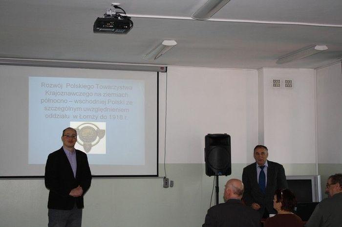 Dr. Tomasz Dudziński przedstawi drugiego prelegenta pana Czesława Rybickiego z Łomży