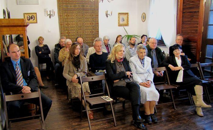Zaproszeni goście. W pierwszym rzędzie Pani anna Archacka, Pani Krystyna Witkowska i Pani Elżbieta Gosk