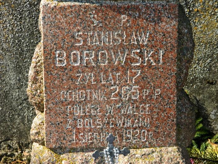 Cmentarz w Nowogrodzie. Kwatera Stanisława Borowskiego – ochotnika 205 P.P. poległego w walkach 1920 roku.  Autor Matlak T. 2