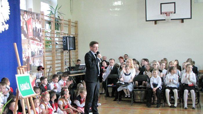 Prowadzący red. Mariusz Rytel zapraszy gości do zabranie głosu