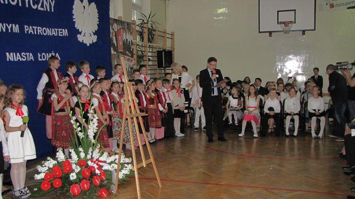 Red. Mariusz Rytel czyta list od ks. biskupa Janusza Stepnowskiego
