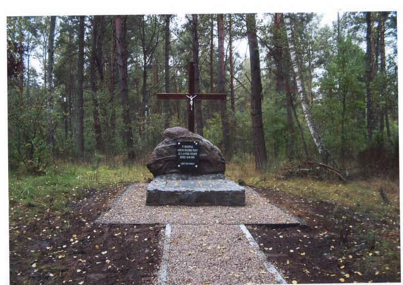 Mogiła zbiorowa z okresu II wojny światowej (Czerwony Bór)