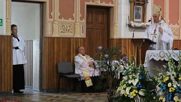 kardynał Gerhard Ludwig Müller głosi homilię
