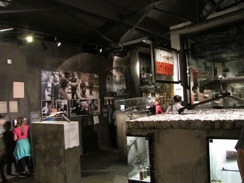 Muzeum Powstania Warszawskiego_jedna z ekspozycji