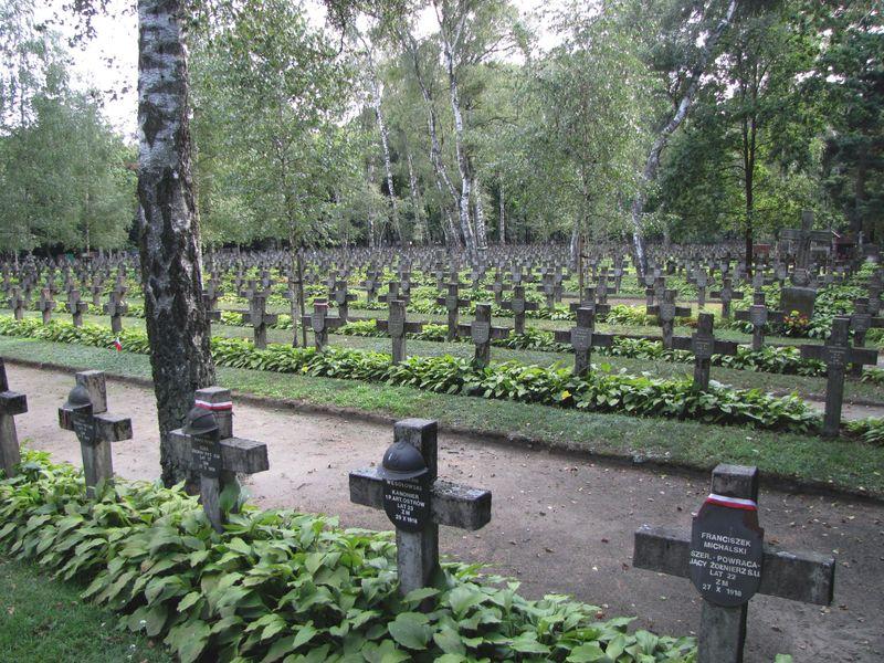 Powązki. Groby obrońców niepodległości II RP