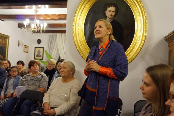Dyrektor Muzeum Przyrody w Drozdowie - pani Anna Archacka