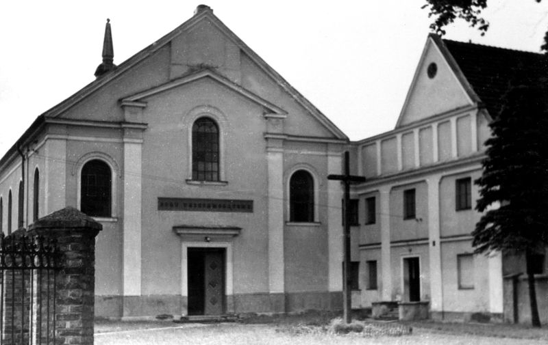 Widok na Kościół Trójcy Przenajświętszej bez wieżyczki