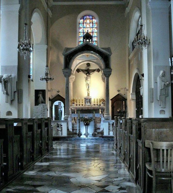 Wnętrze Kościoła (Ołtarz)
