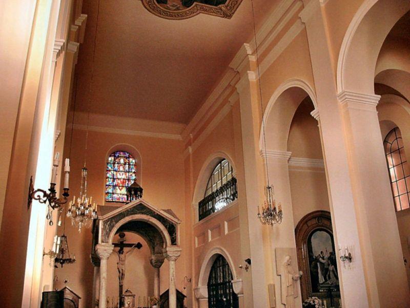 Wnętrze Kościoła (Ołtarz) 2