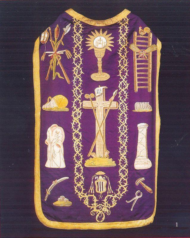 Ornat z ok.175o r. z symbolami Męki Pańskiej