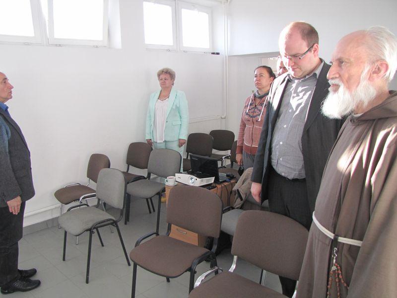 Uczczenie minutą ciszy nieżyjących zawodników i działaczy łomżyńskiego sportu