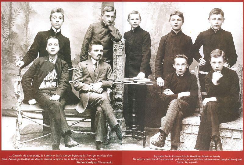 Stefan Wyszyński ze swoimi kolegami w szkole w Łomży