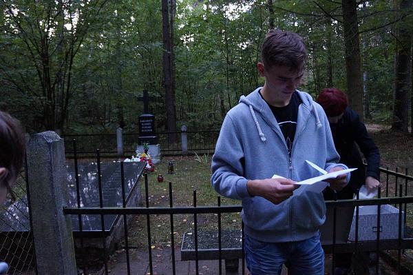 Adam Rogowski czyta list od p. Jerzego Smurzyńskiego