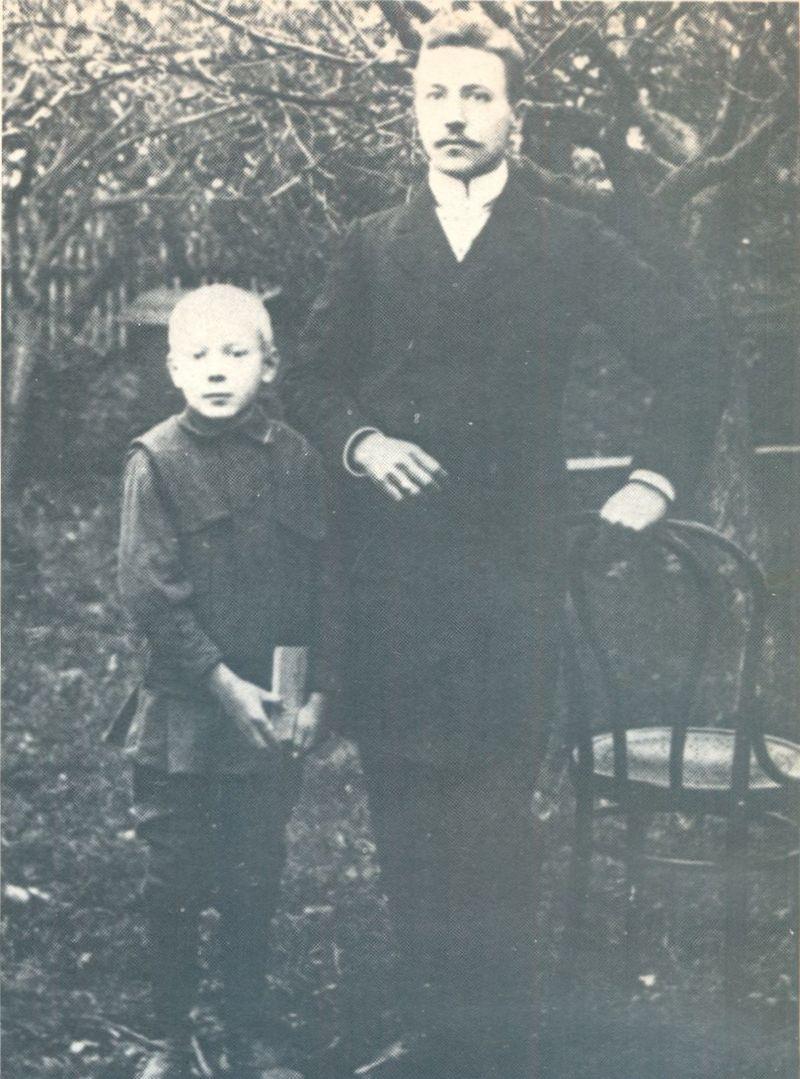 Zdjęcie z ojcem Stanisławem. 1909 r.