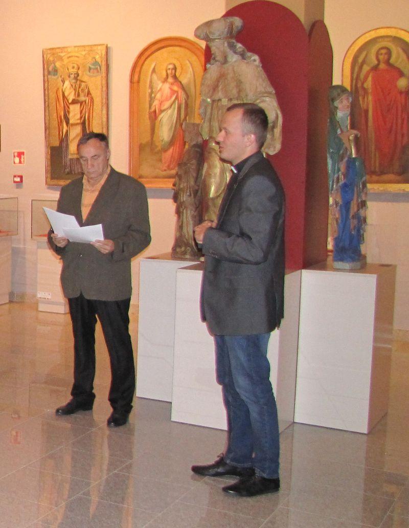 Ks. Tomasz Grabowski dyr. Muzeum Diecezjalnego, Czesław Rybicki Starszy Bractwa.