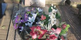 Grób Alfonsa Budzińskiego na Cmentarzu Komunalnym w Łomży