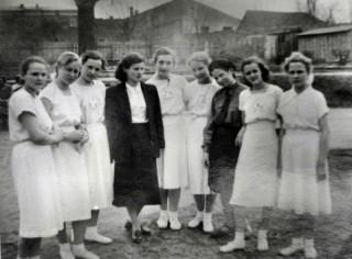 Przed pochodem 1 Maja 1955
