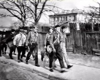 W drodze na biwak1957