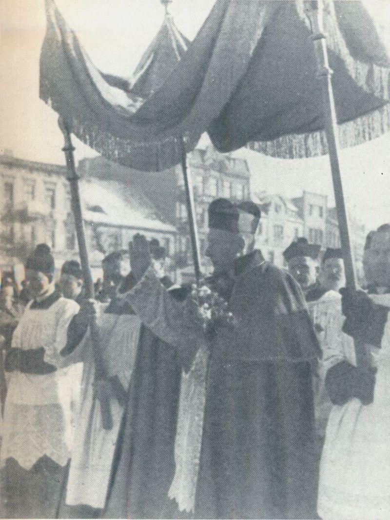 Ingres do bazyliki prymasowskiej w Gnieźnie - 2 luty 1949 r.