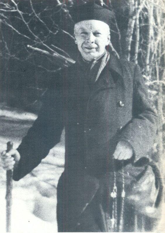 Na spacerze, z różańcem w ręku - Komańcza 1956 r.