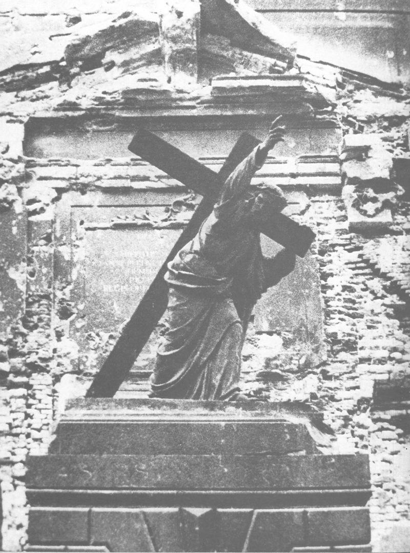 Umęczonej Warszawie Odkupiciel człowieka wskazuje skąd ma przyjść ratunek dla ludzkości.