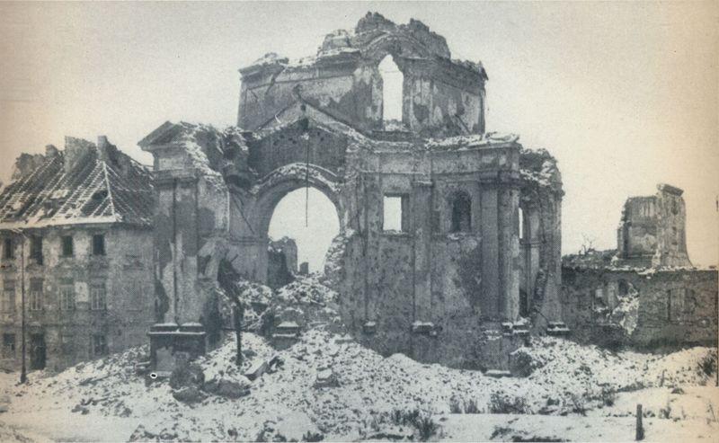 Wypalony przez najeźdźców hitlerowskich Kościół Sióstr Sakramentek w Nowym Mieście
