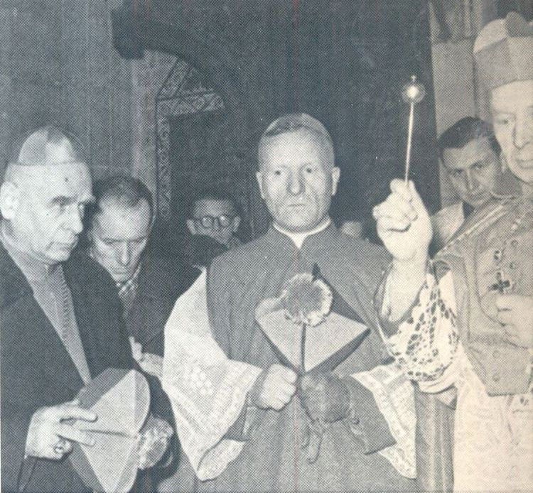 Ksiądz Prymas w towarzystwie bpa W. Urbana i abpa E. Baziaka.