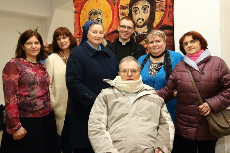 Rodzina i Przyjaciele, Diakon Mateusz