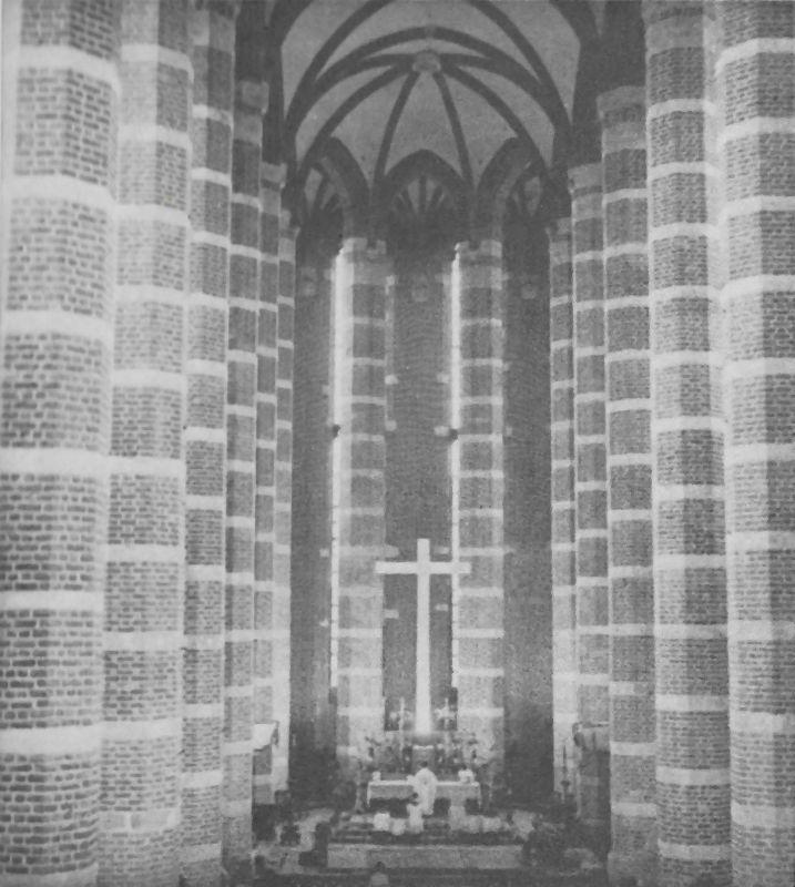 Wspaniale odbudowane wnętrze gotyckiej prokatedry św. Jakuba w Nysie.
