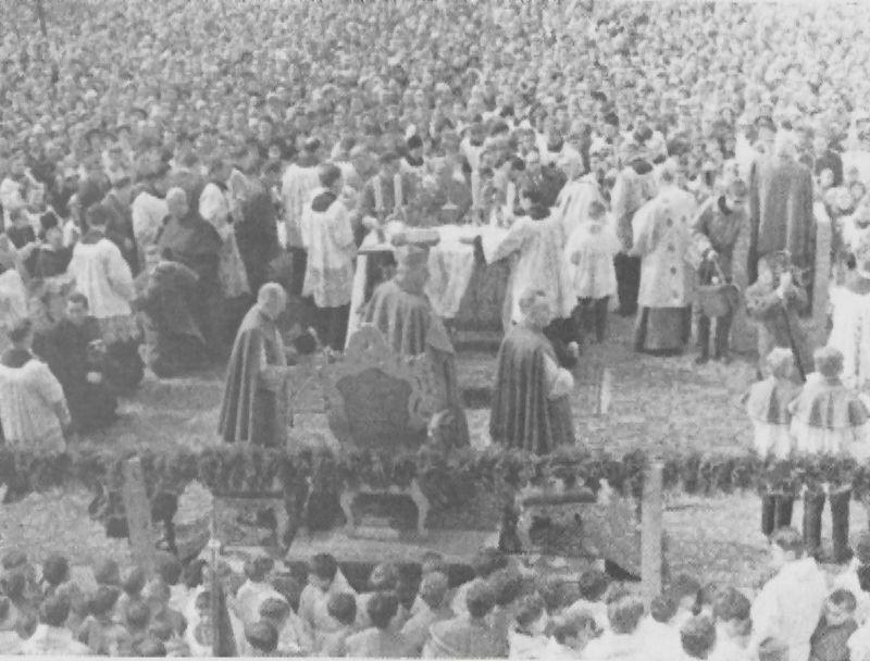 Pośród rzeczy wiernych, przy ołtarzu polowym w Poznaniu