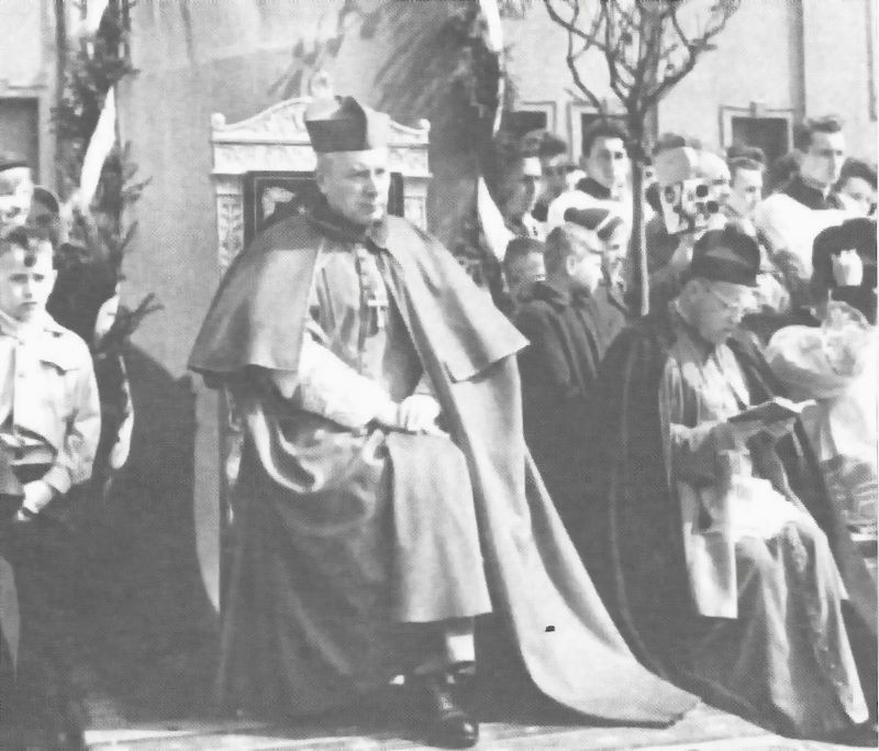 Podczas centralnych uroczystości przed bazyliką gnieźnieńską