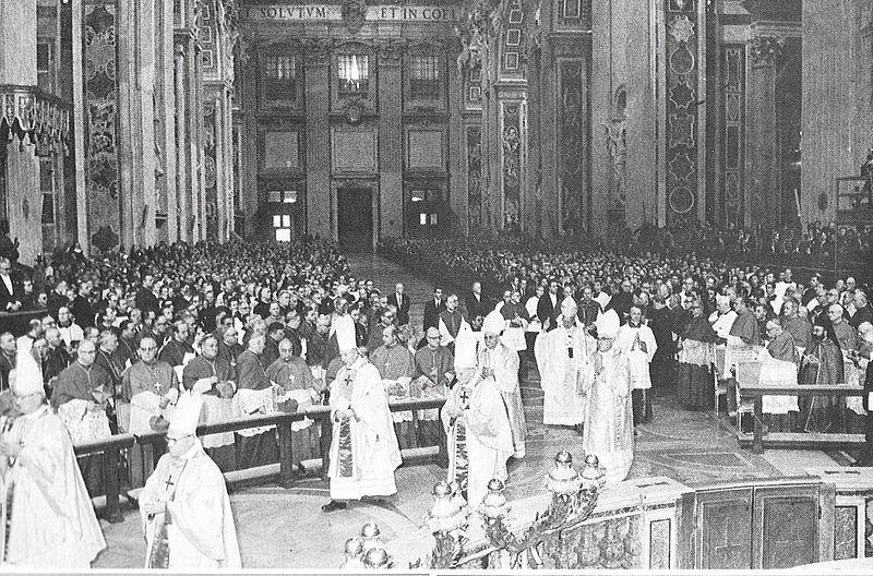 Ksiądz Prymas uczestniczy - obok kard. Karola Wojtyłyi kard. J. kRÓLA - w koncelebrowanej Mszy św.pod przewodnictwem Pawła VI w dniu beatyfikacji O.Maksymilian Kolbego - 17 październik 1971 r.