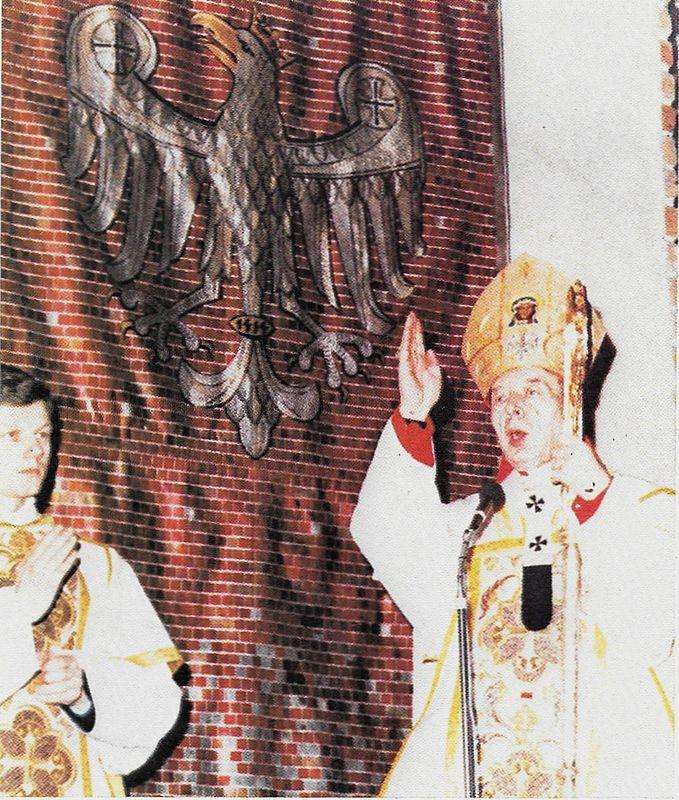"""""""Benedicat vos Omnipotens Deus: Pater et Filiuset et spirytus Sanktus"""""""