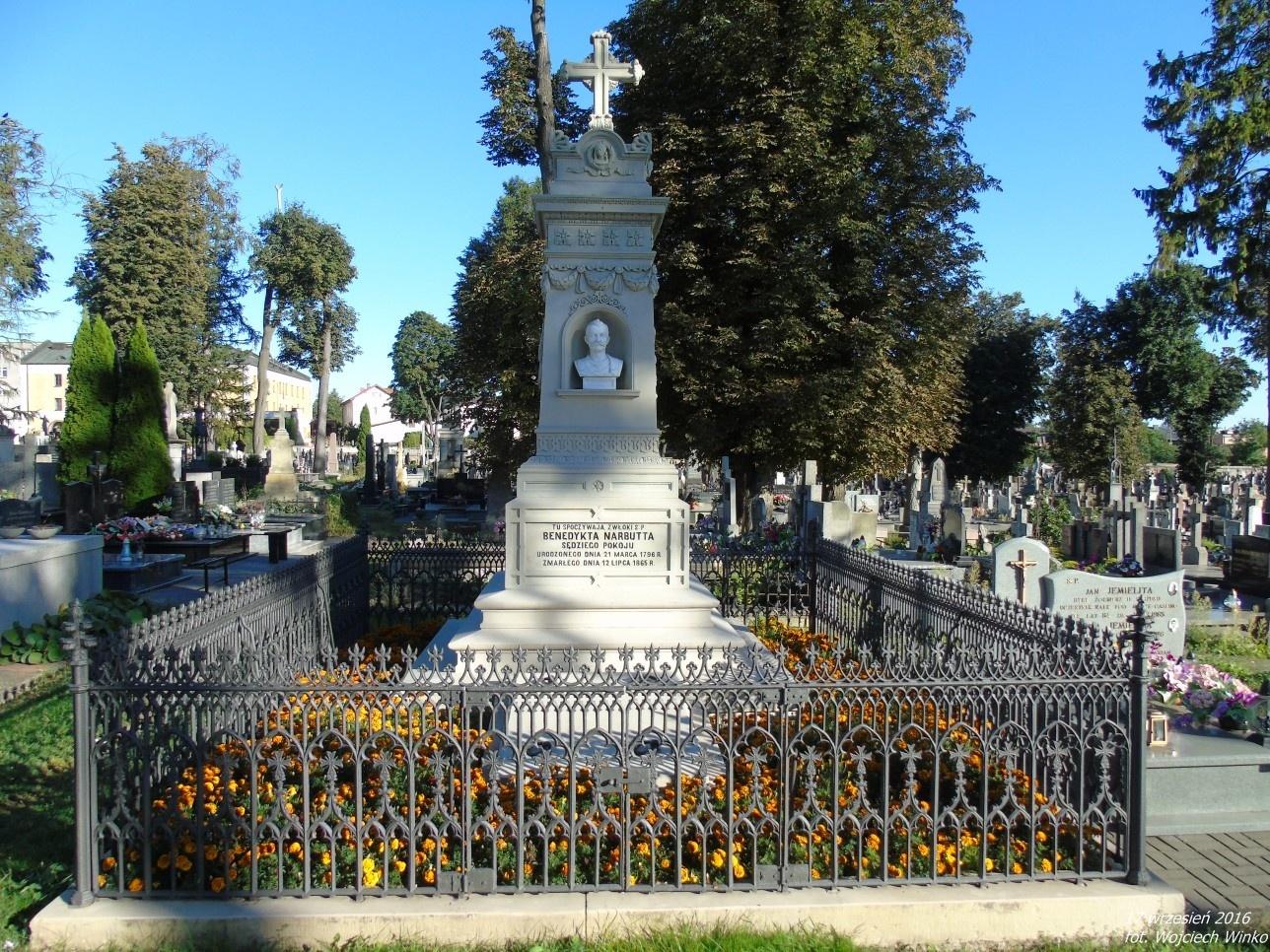 Grobowiec rodziny Narbuttów, z której wywodzi się Benedykt Narbutt - Sędzia Pokoju