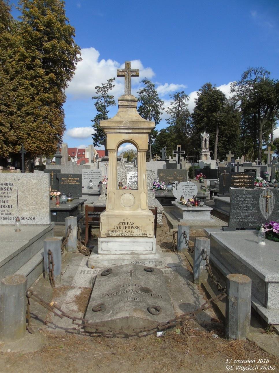 Grobowiec rodziny Jakubowskich, z której wywodzi się Franciszek - weteran powstania z 1863r