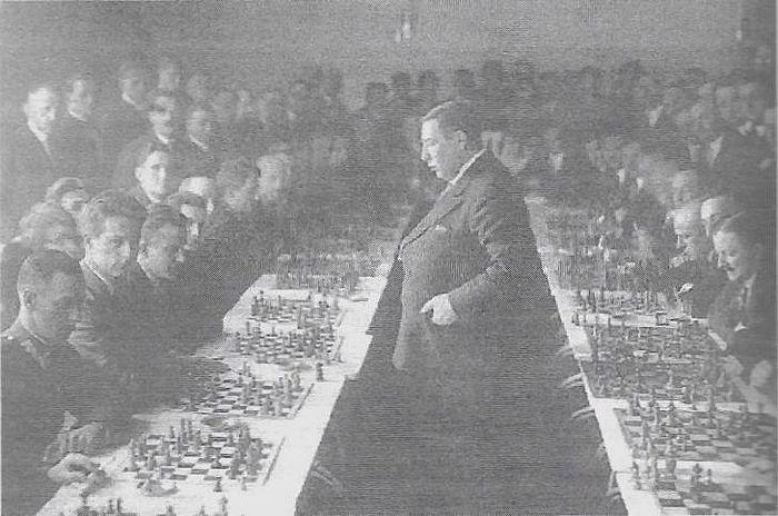 Jedna z gier symultanicznych w Polsce w 1931 r.