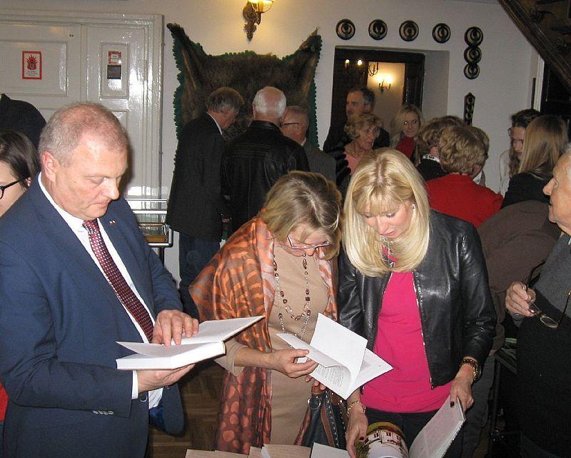 PoseŁ na Sejm Lech Antoni Kołakowskiki jeden zaproszonych gości