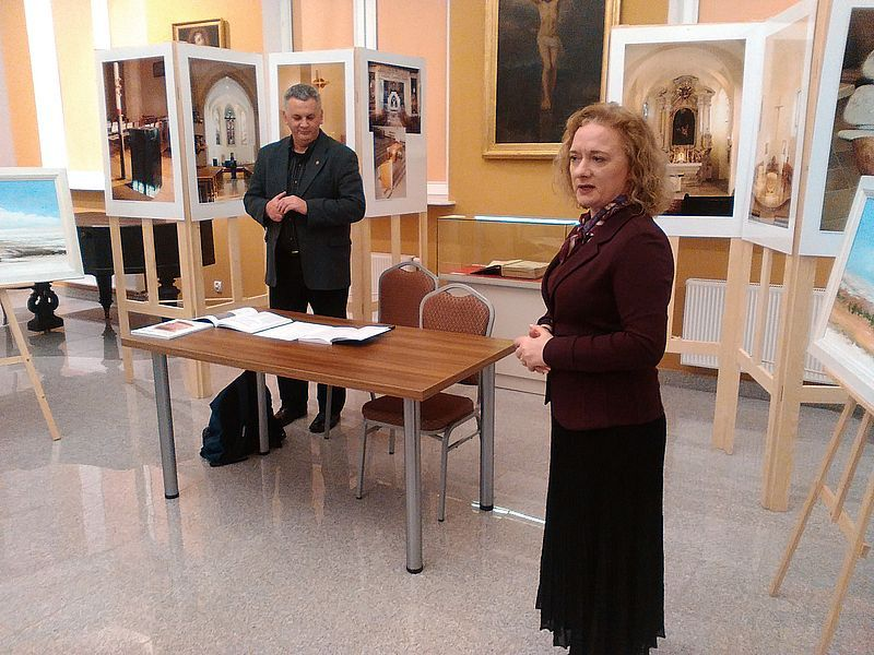 dr Malgorzata Frackiewicz otwiera spotkanie