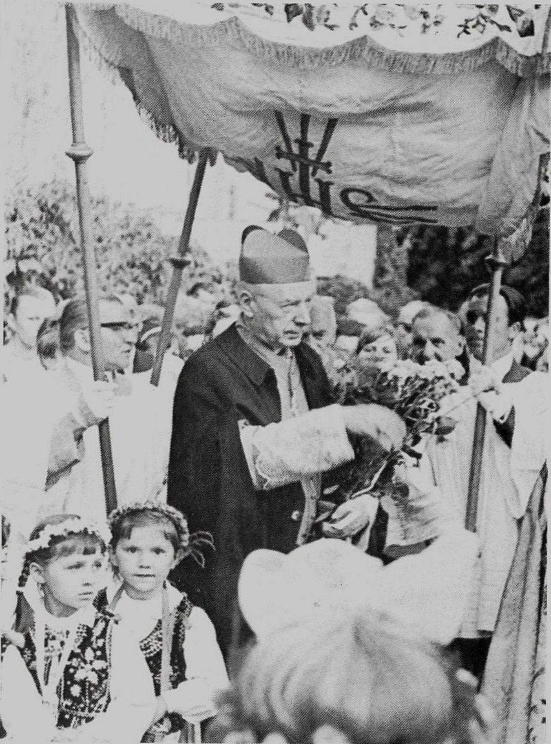 Przybywa uroczyście do parafii na Sadybie
