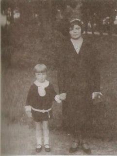 Z mamą w drodze z przedszkola